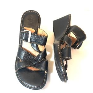 Born Black Leather Strappy Buckle Wedge Sandals 9